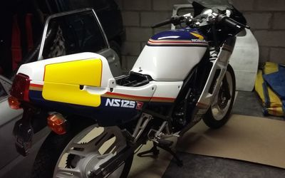 Stockie's Automotive - Custom Projects - Honda NS 125 R Rothmans